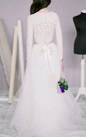 Modest Jewel Neck Long Sleeve A-Line Tulle Wedding Dress