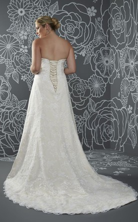 A-Line Long Sweetheart Sleeveless Lace Court Train Corset Back Side Draping Dress