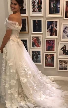 924d15889c62 ... Romantic Garden Style Tulle Off-the-shoulder Cap Short Sleeve A-line  Wedding