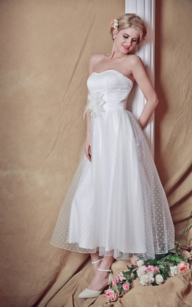 Exquisite Strapless Tea-length Country Wedding Dress