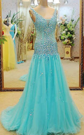Glamorous V-neck Beadings A-line Prom Dress 2016 Sweep Train