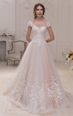 Short Sleeve V-Neck A-Line Tulle Ball Gown Wedding Dress With Appliques And Court Train