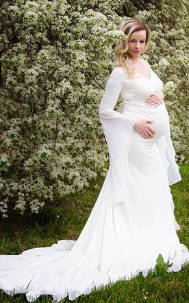 Pregnant Wedding Gowns for Bride, Maternity Bridal Dresses - June ...