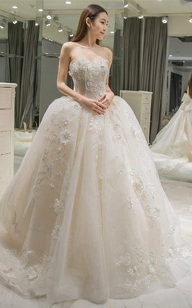 Sweetheart Appliques Bowknot A Line Wedding Dress