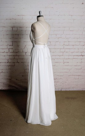 Sexy V-Neck Sleeveless A-Line Chiffon Wedding Dress With Simple Strap Back