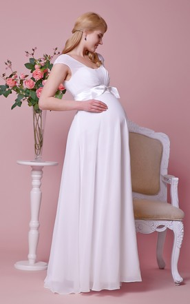 Graceful Empire Cap-sleeved Allover Chiffon Maternity Wedding Dress With Bow