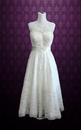 695a4213bfb Vintage Sleeveless Retro Boat Neck Lace Tea Length Wedding Dress ...