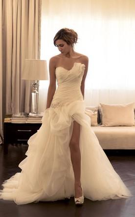 f7e7fa3262531 Sexy Ruffles Sweetheart Sleeveless Wedding Dress With Beading ...