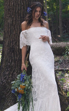 Country style wedding gowns rustic western bridals dresses june boho off shoulder sheath scalloped lace wedding dress with long train junglespirit Image collections