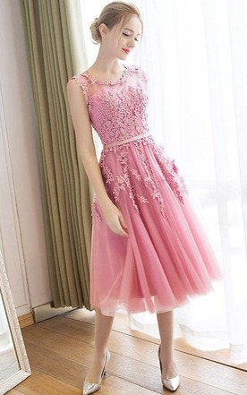 Sleeveless A-line Knee-length Dress with Lace Appliques