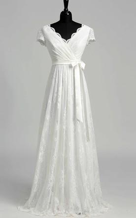 de087873706 Elegant Scalloped V-neck Long Lace Wedding Dress ...
