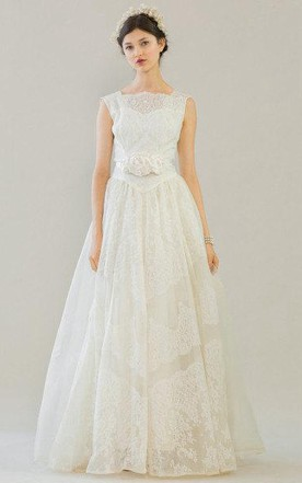 Jewel Neck Sleeveless A Line Lace Wedding Dress With Flower