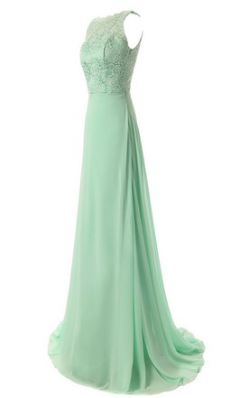Graceful Scalloped Chiffon A-line Gown With Lace Appliques