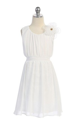 Sleeveless A-line Jersey Dress With Flower and Pleats