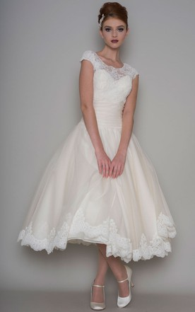 219442c487df Tea-Length A-Line Scoop Neck Appliqued Cap Sleeve Tulle Wedding Dress ...