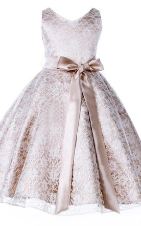f3ad59759 Sleeveless V-neck A-line Lace Flower Girl Dress With Bow Sash ...