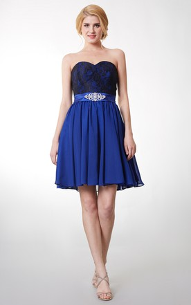 Simplistic and Elegant Strapless Dress Belted Waist With Crystal Detailing