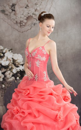 Spaghetti-Strap Ruffled Ball Gown with Appliques and Spaghetti-Straps