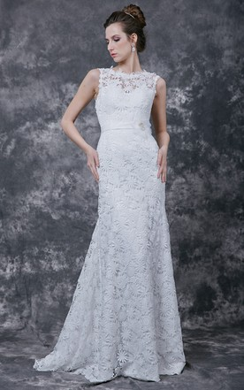Floral Overlay Fitted Wedding Gown Floral Neckline Lace Crochet Details Formal