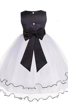 Sleeveless A-line Tulle Dress With Flower and Bow