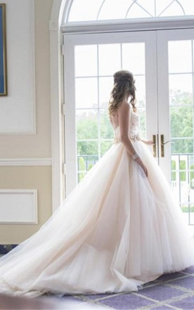 be21c1b5253 ... Sweetheart Strapless Flowers Beading Wedding Dress With Court Train