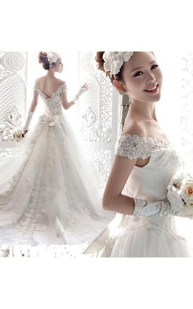 f36bad580300 ... Vintage Off-the-Shoulder Lace Bowknot Wedding Dresses 2018 Lace With  Long Train