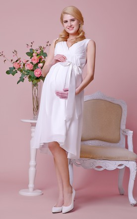 Allover Chiffon Knee Length Maternity Wedding Dress With V Neck and Satin Bow