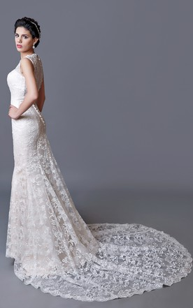 Charming Scalloped-Edge Neckline Mermaid Lace Wedding Dress