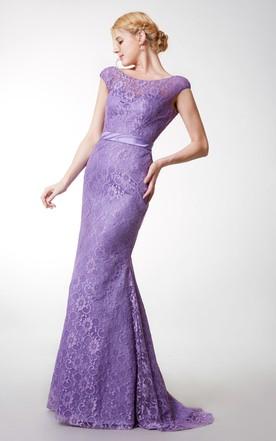 6a1adde6029 ... Vintage Short Sleeve Bateau Neck Long Lace Dress With Satin Belt