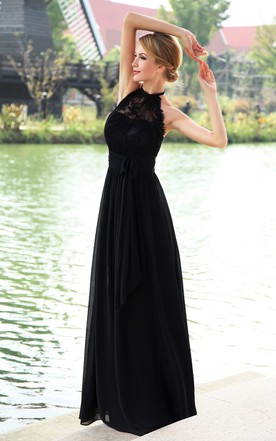 High-Neck Strapless Pleated Maxi Dress With Halter And Ribbon