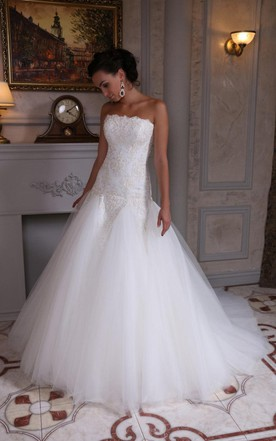 Strapless A-Line Tulle Wedding Dress With Dropped Waist