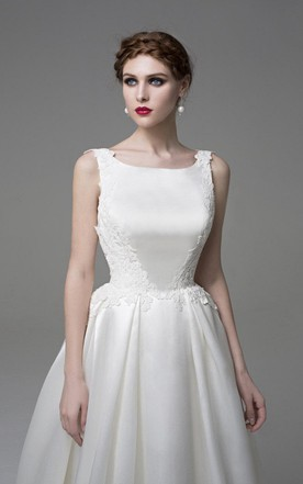 Simple Sleeveless Bateau Neck A-Line Satin Wedding Dress With Appliques