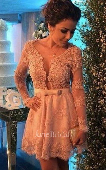 Delicate V-neck Lace Appliques Short Cocktail Dress Long Sleeve