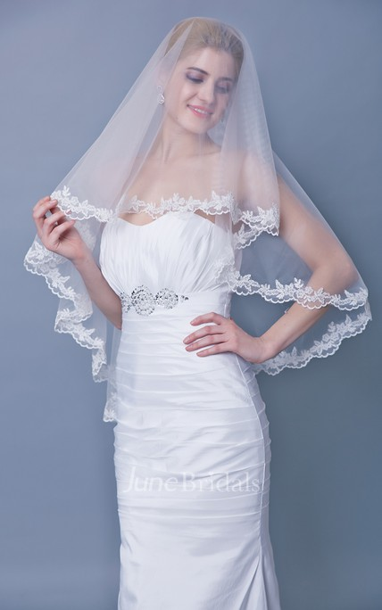 Mid Length One Tier Lace Trim Veil