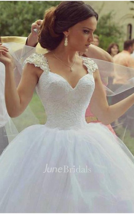 265673865015 Delicate Sweetheart Sleeveless Tulle Wedding Dress Ball Gown - June Bridals