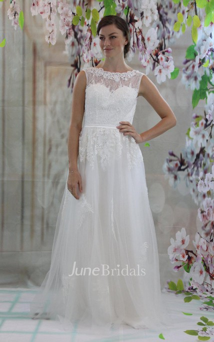 Jewel Neck Sleeveless A-Line Tulle Wedding Dress With Lace Top