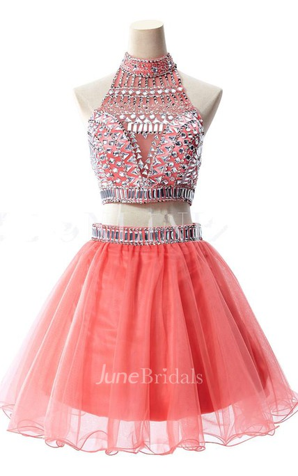 Glamorous Halter Sleeveless Short Homecoming Dress With Crystals