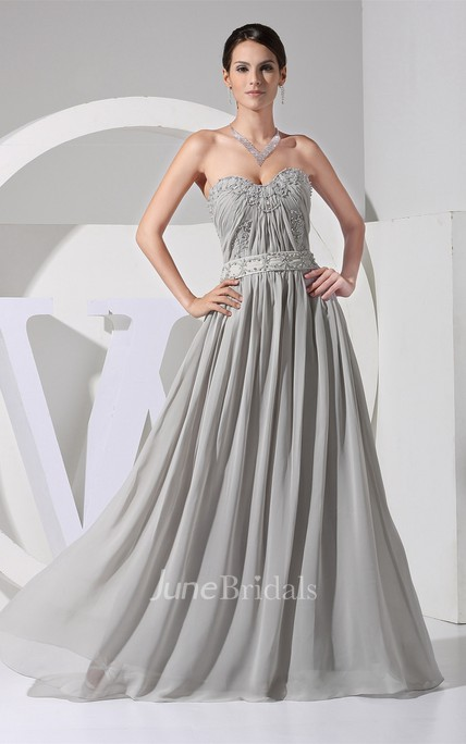 Sweetheart Ruched Chiffon Flowered Dress with Appliques