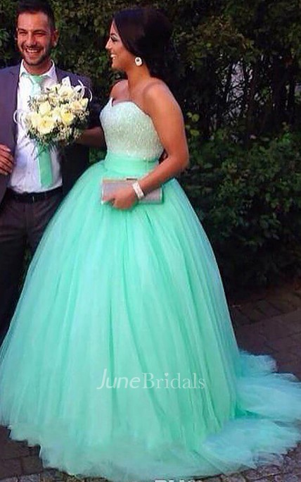 Ball Gown Sleeveless Sweetheart Tulle Sweep Brush Train Beading Plus Size Dress