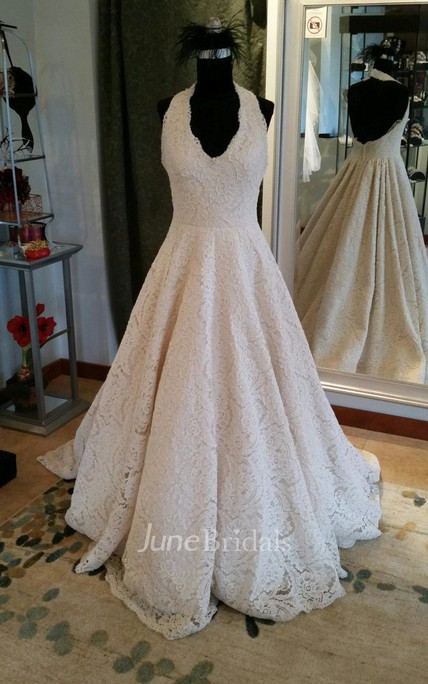 Elegant Sleeveless Pleated Lace Halter A-Line Wedding Dress