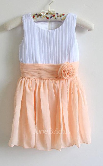 Pleated Scoop Neck Knee-length Chiffon Dress With Flower