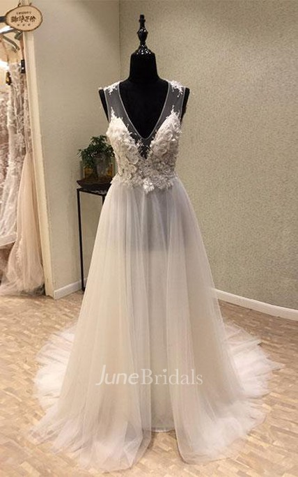 Impressive V-neck Sleeveless Sweep Train Tulle Wedding Dress with Appliques