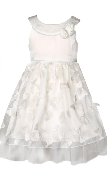 Sleeveless A-line Appliqued Dress With Bow and Pleats