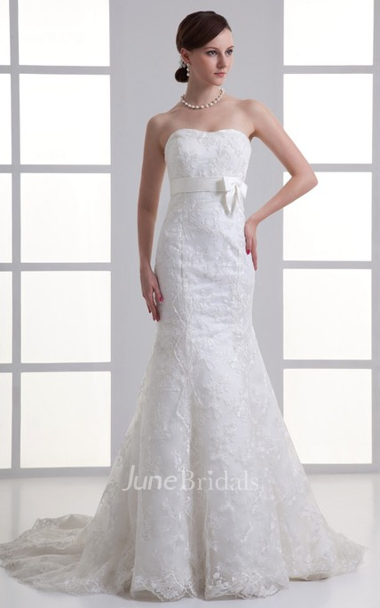 Lovely Strapless Sweetheart Embroidered English Net and Lace Gown