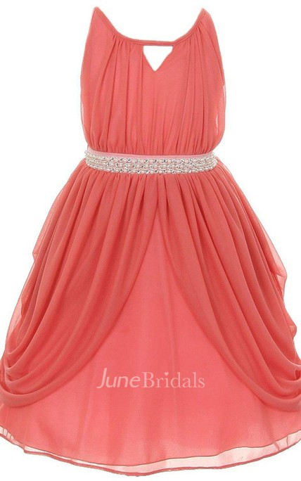 Sleeveless A-line Pleated Dress With Key-hole Neck