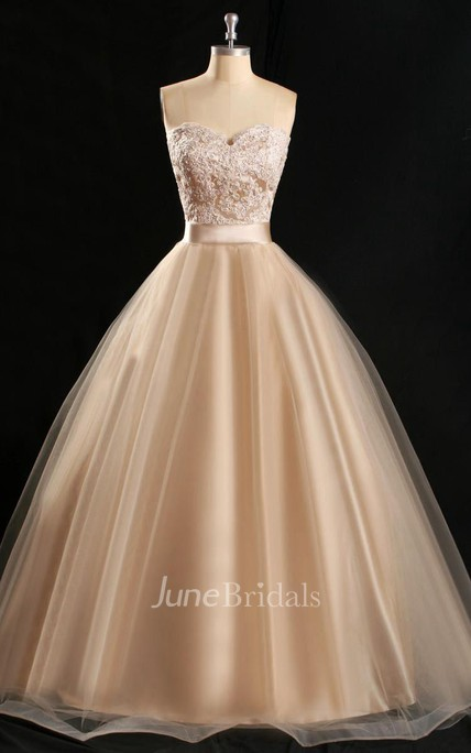 Sweetheart Sleeveless Stuning A-line Lace Ballgown