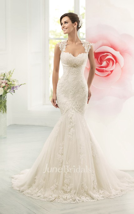 Mermaid Long Queen-Anne Sleeveless Keyhole Lace Dress With Appliques And Waist Jewellery