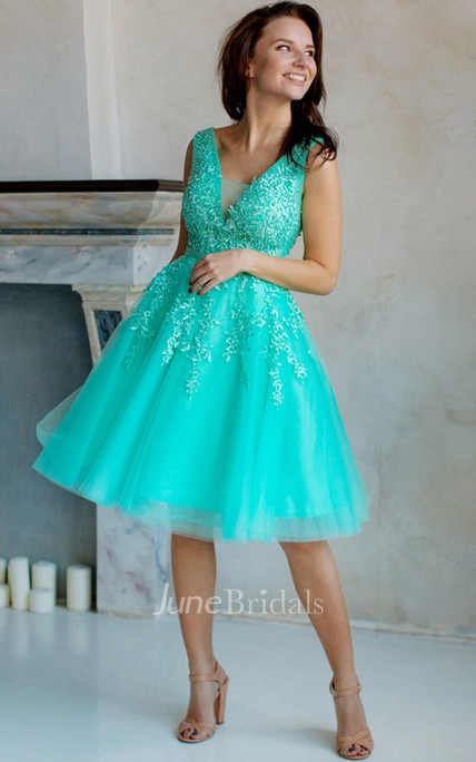 ede40588be1 A-Line Knee-Length V-Neck Short Sleeve Tulle Lace Appliques Low-V Back Dress  - June Bridals