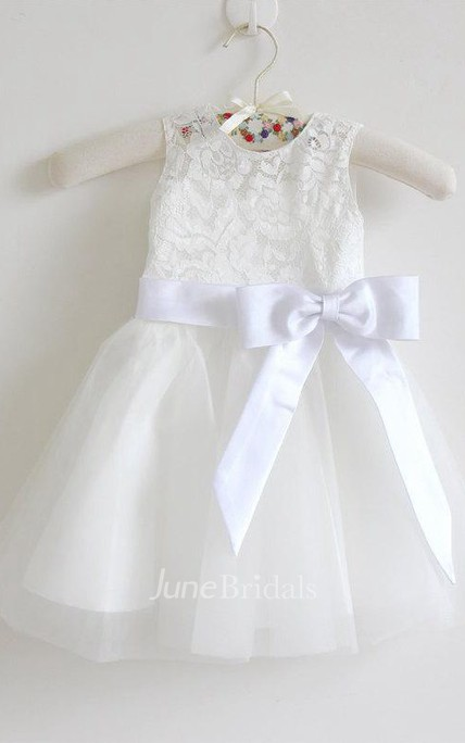 Knee-length Sleeveless Sleeve Tulle&Lace Dress With Bow&Flower