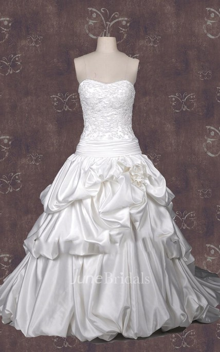 Ball Gown Strapped Lace Satin Weddig Dress With Beading